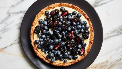 Jammin'  Fruit Tart with Almond Crust
